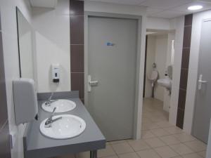 Sanitaires grande salle du Vignaud