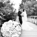 Les mariés sur la passerelle du Vignaud